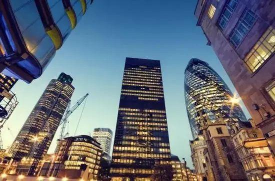 【职场论剑】那些在英国金融圈奋斗,或转行到金融圈的人,后来都怎么样?—职场论剑第八期